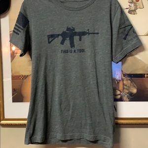 Men's medium grunt style T-shirt